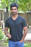 Atharvaa at Imaikkaa Nodigal Movie Press Meet (8)