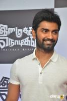 Atharvaa at Imaikkaa Nodigal Thanks Meet (7)