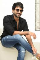 U Turn Actor Aadhi Pinisetty Interview Photos (27)