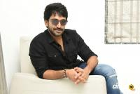 U Turn Actor Aadhi Pinisetty Interview Photos (33)