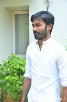 Dhanush at Vada Chennai Press Meet (6)