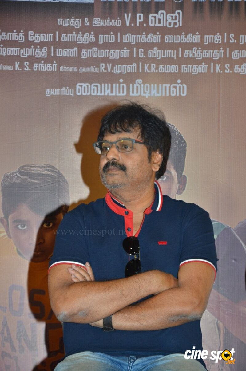 Ezhumin Movie Press Meet (14)