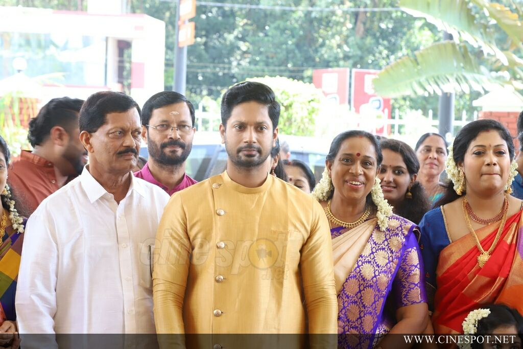 Rejith Menon Marriage Photos (3)