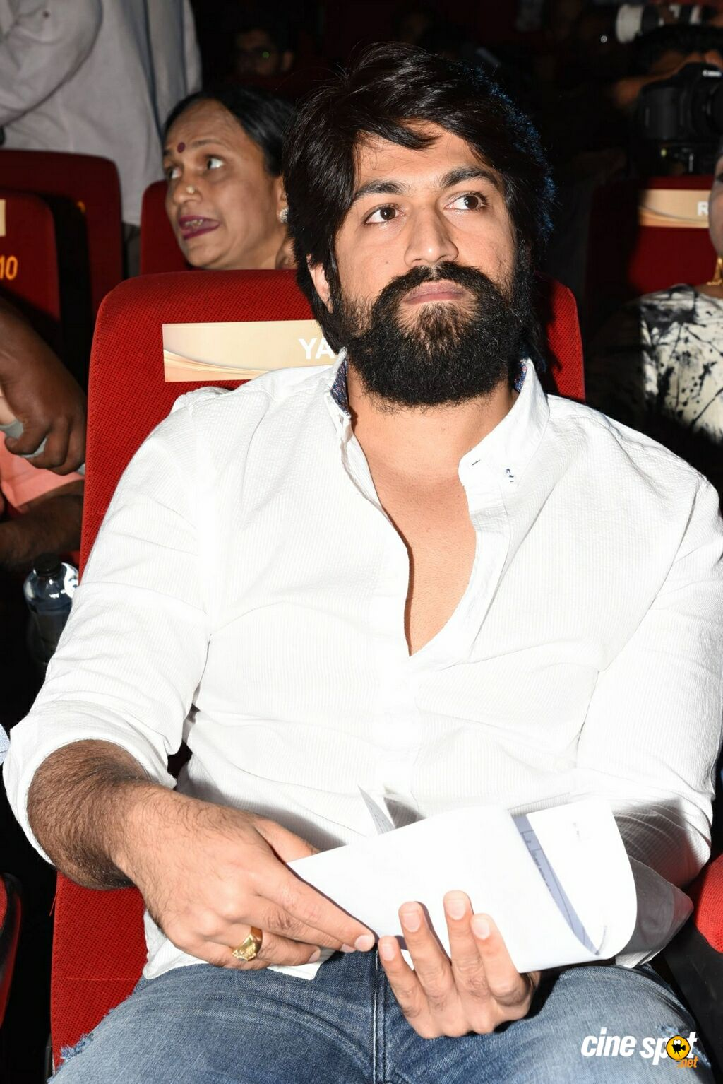Yash at KGF Trailer Launch (1)