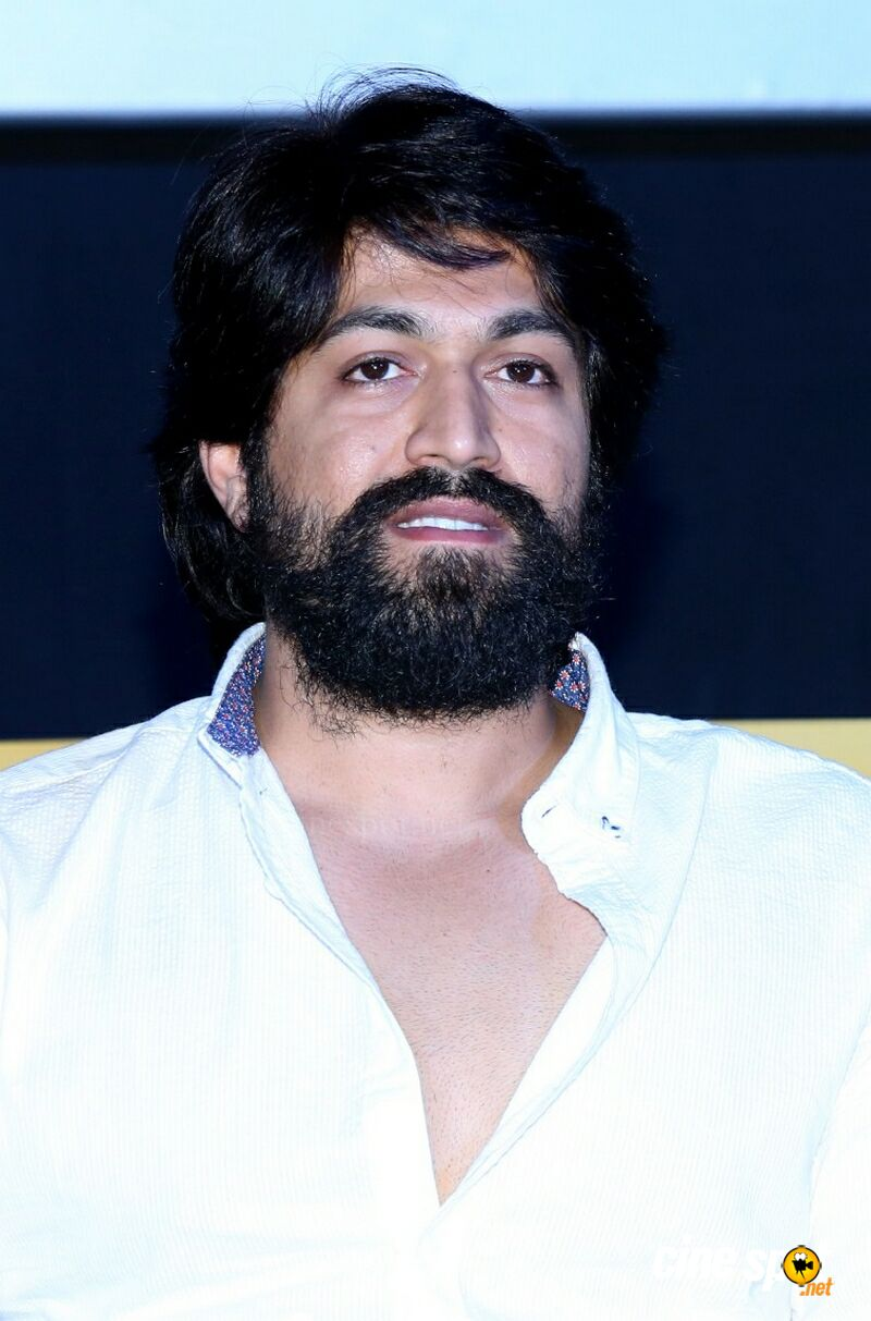 Yash at KGF Trailer Launch (5)