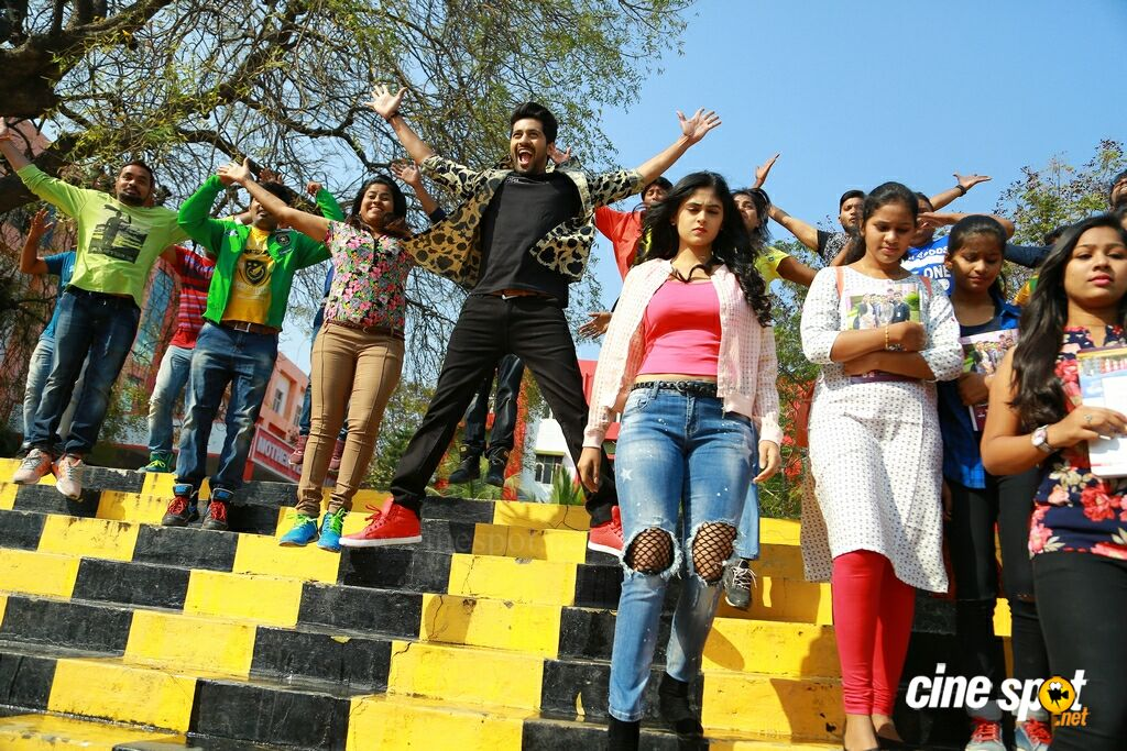 Crazy Crazy Feeling Latest Stills (1)
