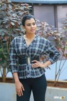 Hebah Patel at 24 Kisses Press Meet  (12)