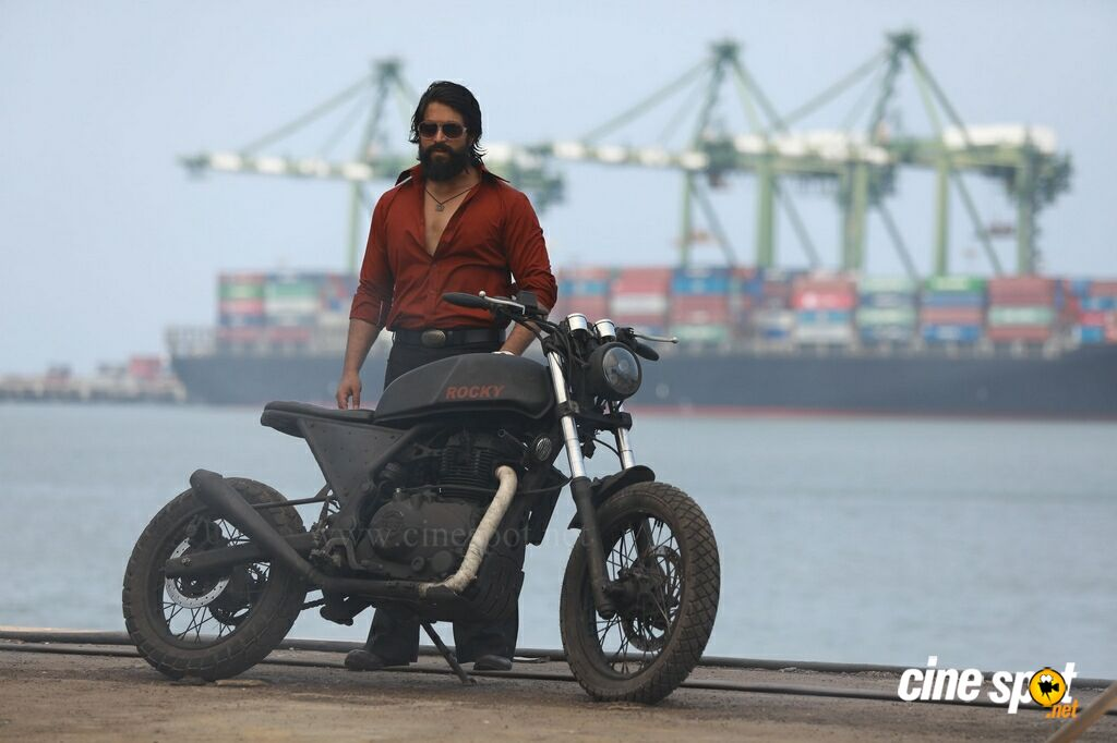 Yash in KGF (3)
