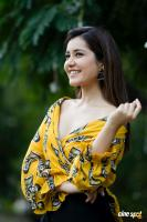 Actress Raashi Khanna Latest Pictures (3)