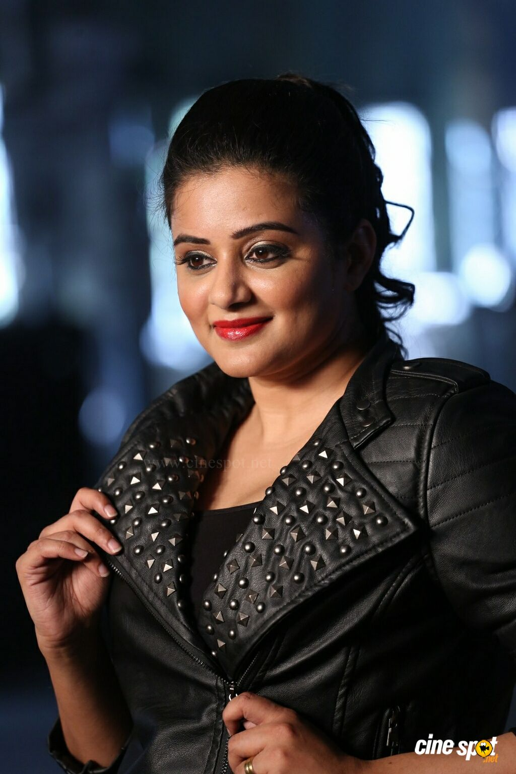 Priyamani at Sirivennela Movie On Locatation (12)