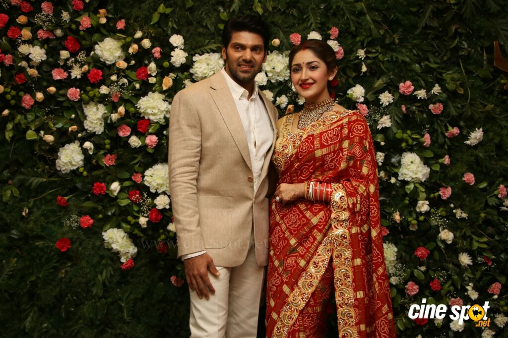 Arya - Sayyeshaa Wedding Reception (6)