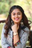 Siddhi Idnani Interview Photos (25)