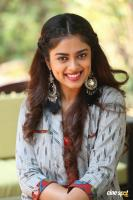 Siddhi Idnani Interview Photos (26)