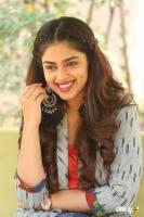 Siddhi Idnani Interview Photos (29)