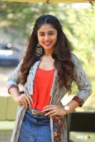 Siddhi Idnani Interview Photos (4)
