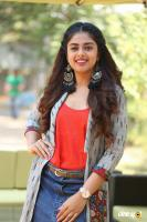 Siddhi Idnani Interview Photos (5)