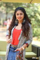 Siddhi Idnani Interview Photos (6)