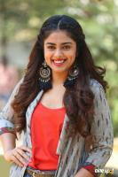 Siddhi Idnani Interview Photos (7)