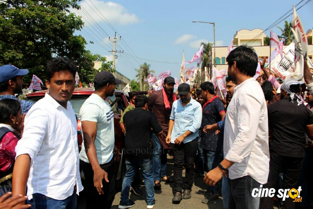 Varun Tej At Janasena Final Day Election Rally (12)