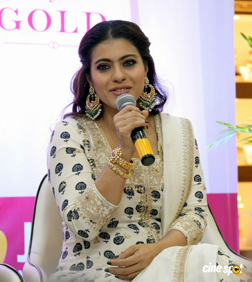 Joyalukkas Akshaya Tritiya 2019 Collection Unveiled By Kajol (7)