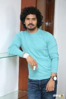Nuvvu Thopu Raa Hero Sudhakar Komakula Interview Photos (1)