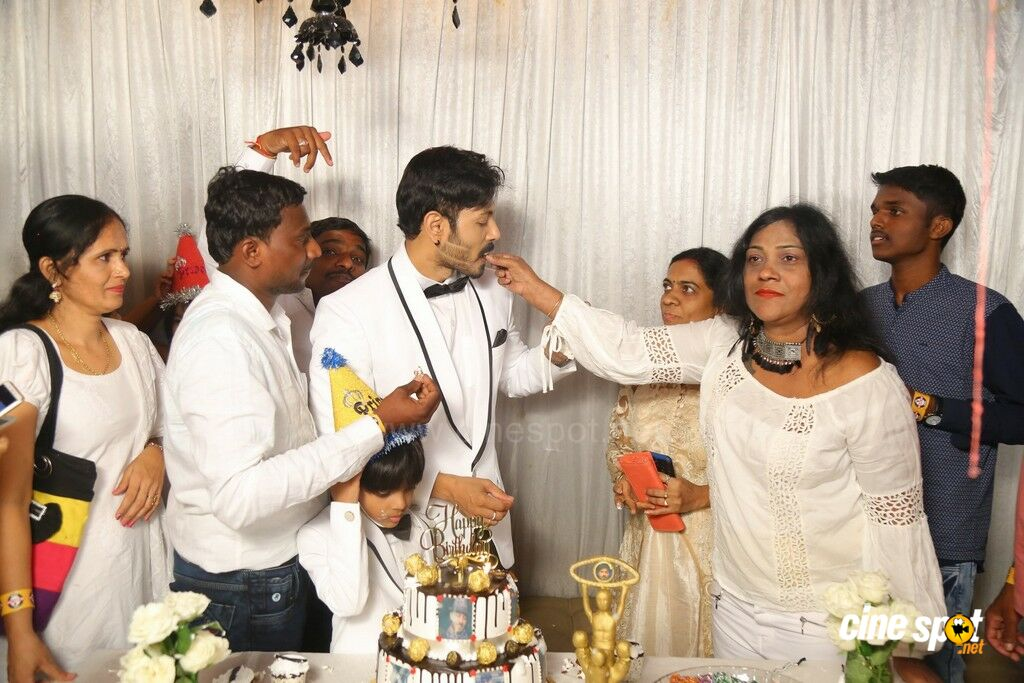 Bigg Boss 2 Kaushal Birthday Celebrations (75)