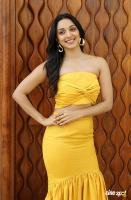 Actress Kiara Advani Photos (6)