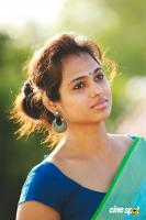 Actress Ramya Pandian Latest Photoshoot Pics (1)