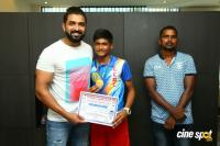 Arun Vijay Meets 20 Award Winning Boxers (10)