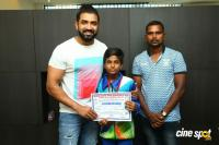 Arun Vijay Meets 20 Award Winning Boxers (14)