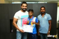 Arun Vijay Meets 20 Award Winning Boxers (3)