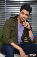 Evaru Hero Adivi Sesh Interview Photos (26)