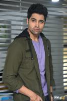 Evaru Hero Adivi Sesh Interview Photos (27)