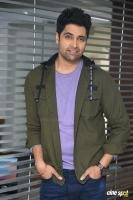 Evaru Hero Adivi Sesh Interview Photos (29)