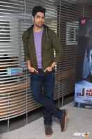 Evaru Hero Adivi Sesh Interview Photos (30)