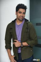 Evaru Hero Adivi Sesh Interview Photos (5)