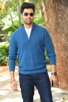 Adivi Sesh at Evaru Movie Success Meet (2)