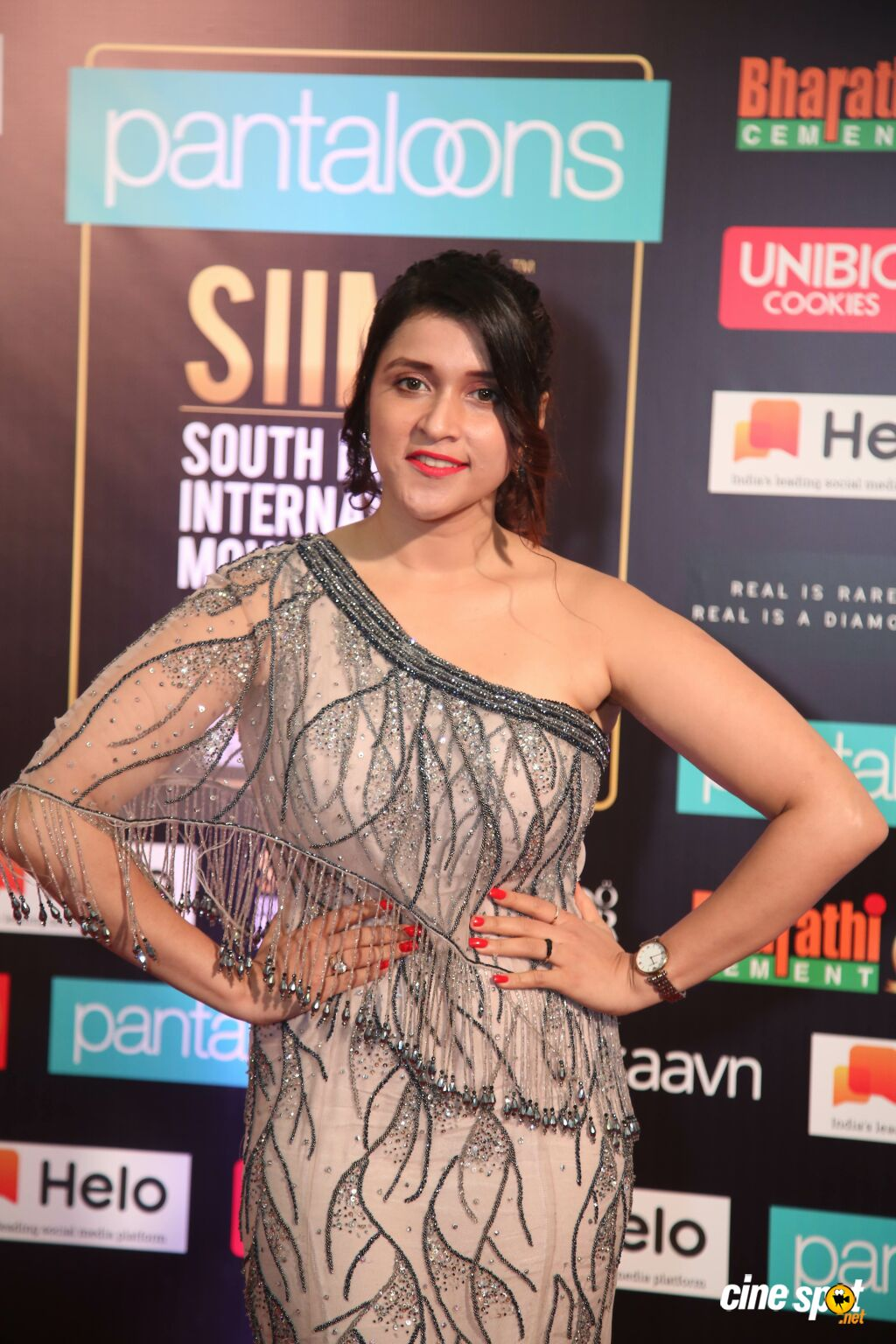 Mannara Chopra Stills at SIIMA 2019 (3)