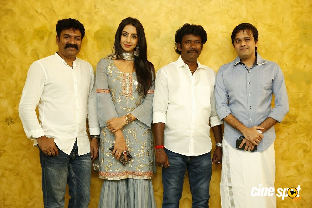 Vijay TV Fame Ramar Pairs with Sanjana Galrani Movie Pooja (77)