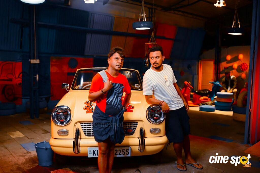 Dhamaka Movie Stills (7)