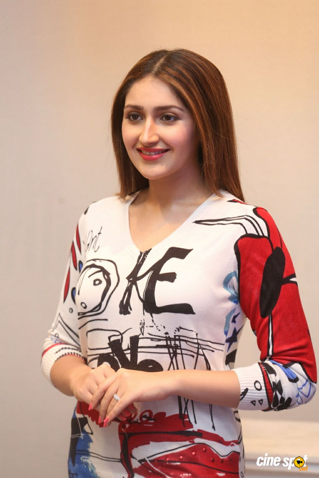 Bandobast Actress Sayesha Saigal Interview Photos (24)