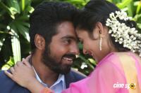 100% Kadhal Tamil Movie Photos