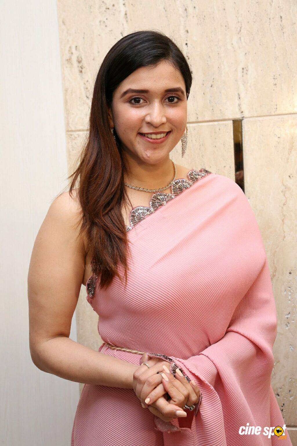 Mannara Chopra at TBZ The Original New Festive Collections Launch (4)