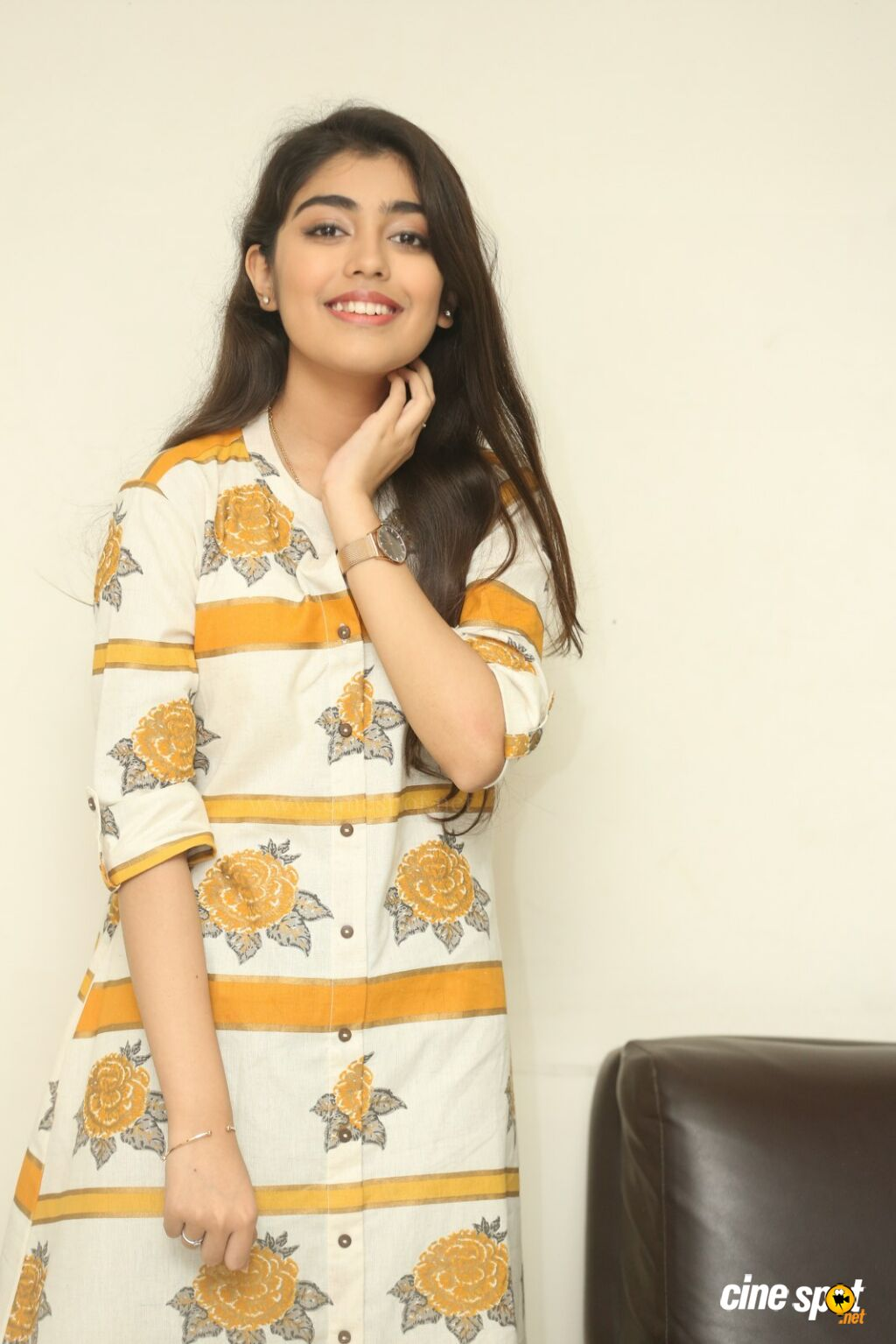 Evvarikee Cheppoddu Actress Gargeyi Yellapragada Interview Photos (15)
