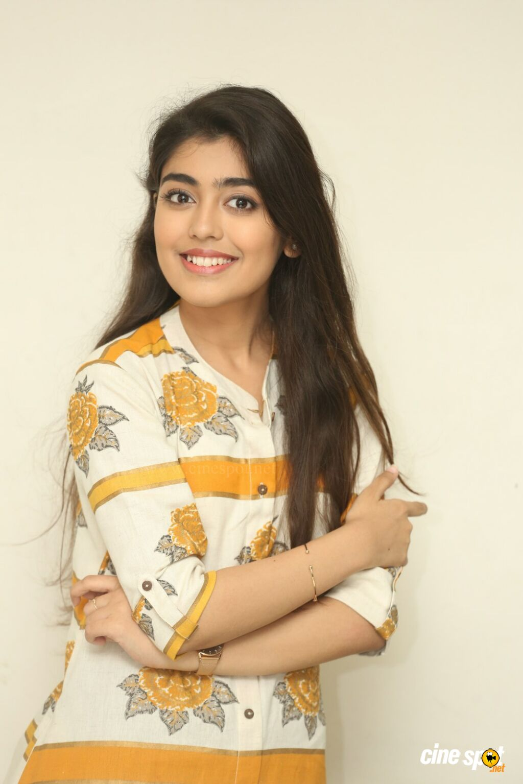 Evvarikee Cheppoddu Actress Gargeyi Yellapragada Interview Photos (20)