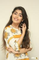 Evvarikee Cheppoddu Actress Gargeyi Yellapragada Interview Photos (38)