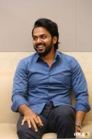 Karthi Interview Stills About Khaidi Movie (16)