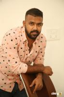 Hero Tharun Bhascker Dhaassyam Interview Photos (13)
