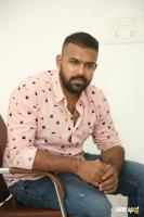Hero Tharun Bhascker Dhaassyam Interview Photos (18)