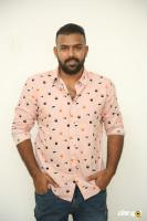 Hero Tharun Bhascker Dhaassyam Interview Photos (4)